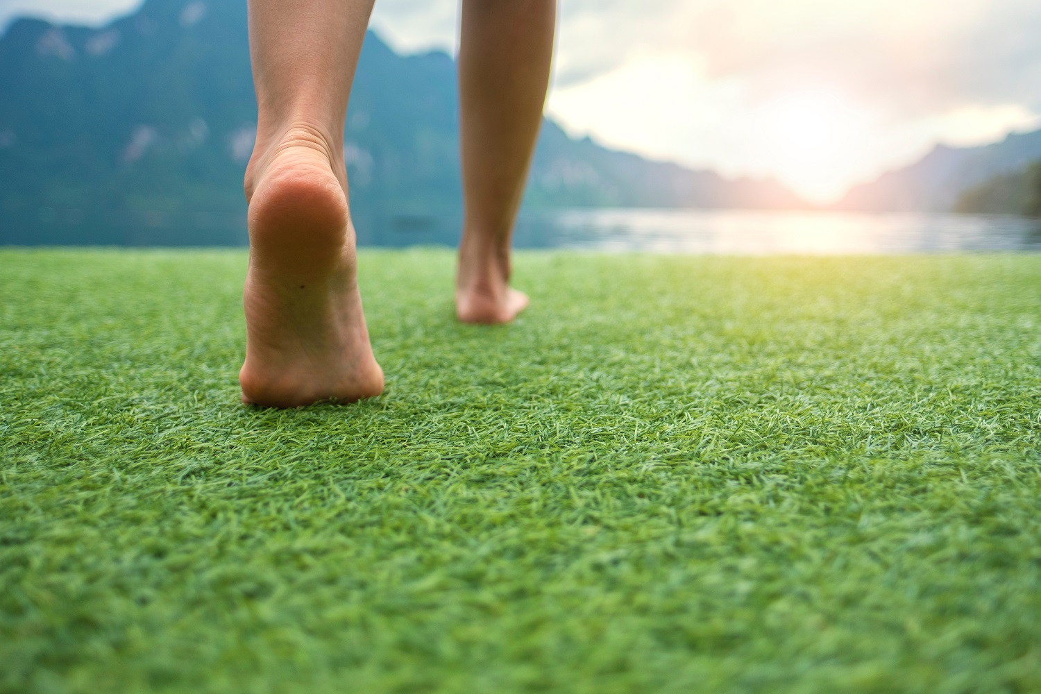 grounding walking feet on grass